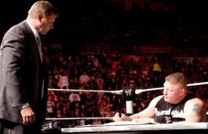 Le mic-skill dans ce ring est évalué à 0,00001 Jericho. Ce qui avec la nouvelle base CM Punk donne du 0,000001 Punk. C'est en dessous de Hornswoggle pour tout dire...
