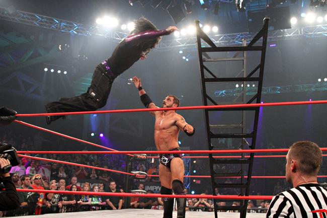 Jeff Hardy vs Austin Aries