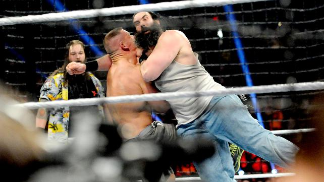 the-wyatt-family-attaque-cena-elimination-chamber