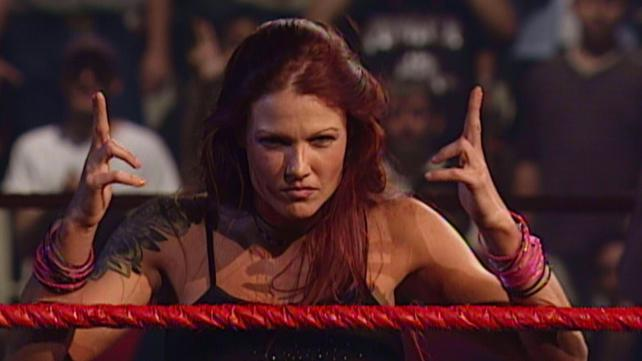lita-vs-stephanie-mcmahon