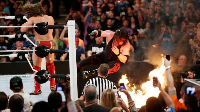 table-en-feu-extreme-rules
