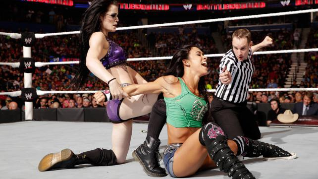 paige-vs-aj-lee-battleground