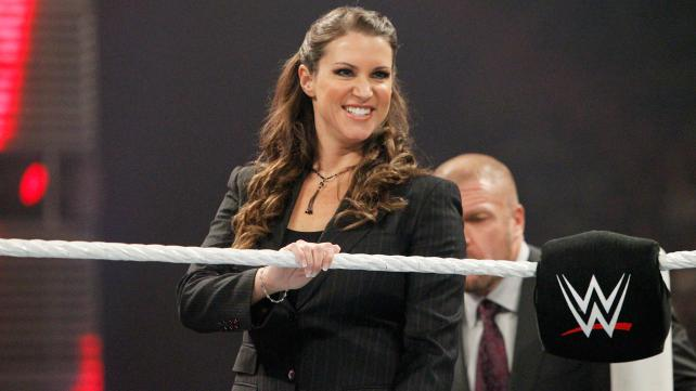 stephanie-mcmahon-creepy-smile
