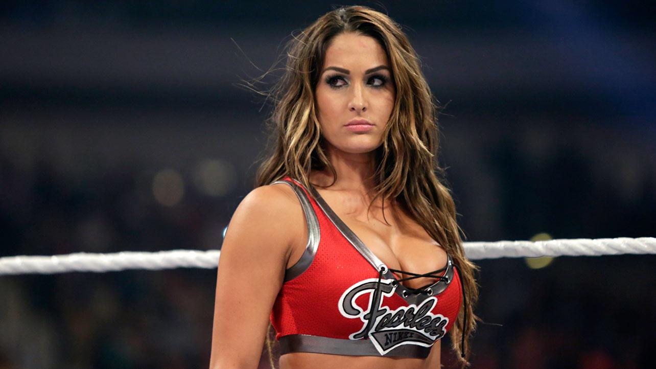 Nikki Bella va devoir se faire opérer de la nuque – VoxCatch  Nikki Bella va ...