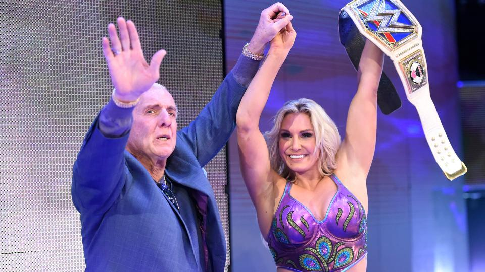 le retour surprise de ric flair lors de smackdown live